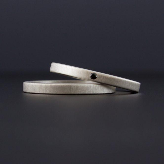 flush set tiny black diamond ring set